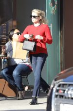 EMMA ROBERTS Buy a Cupcakes at Sprinkles in Beverly Hills 12/15/2016