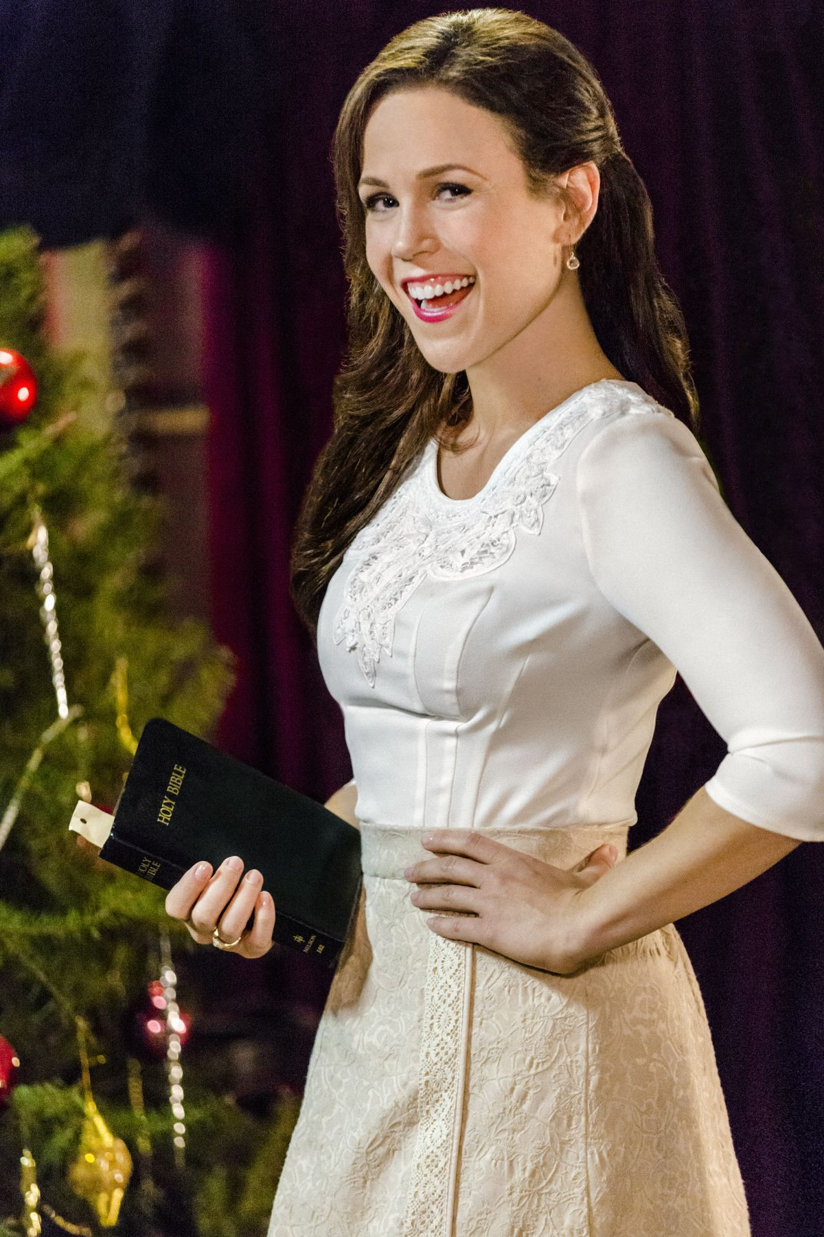 ERIN KRAKOW - When Calls the Heart Christmas Promos
