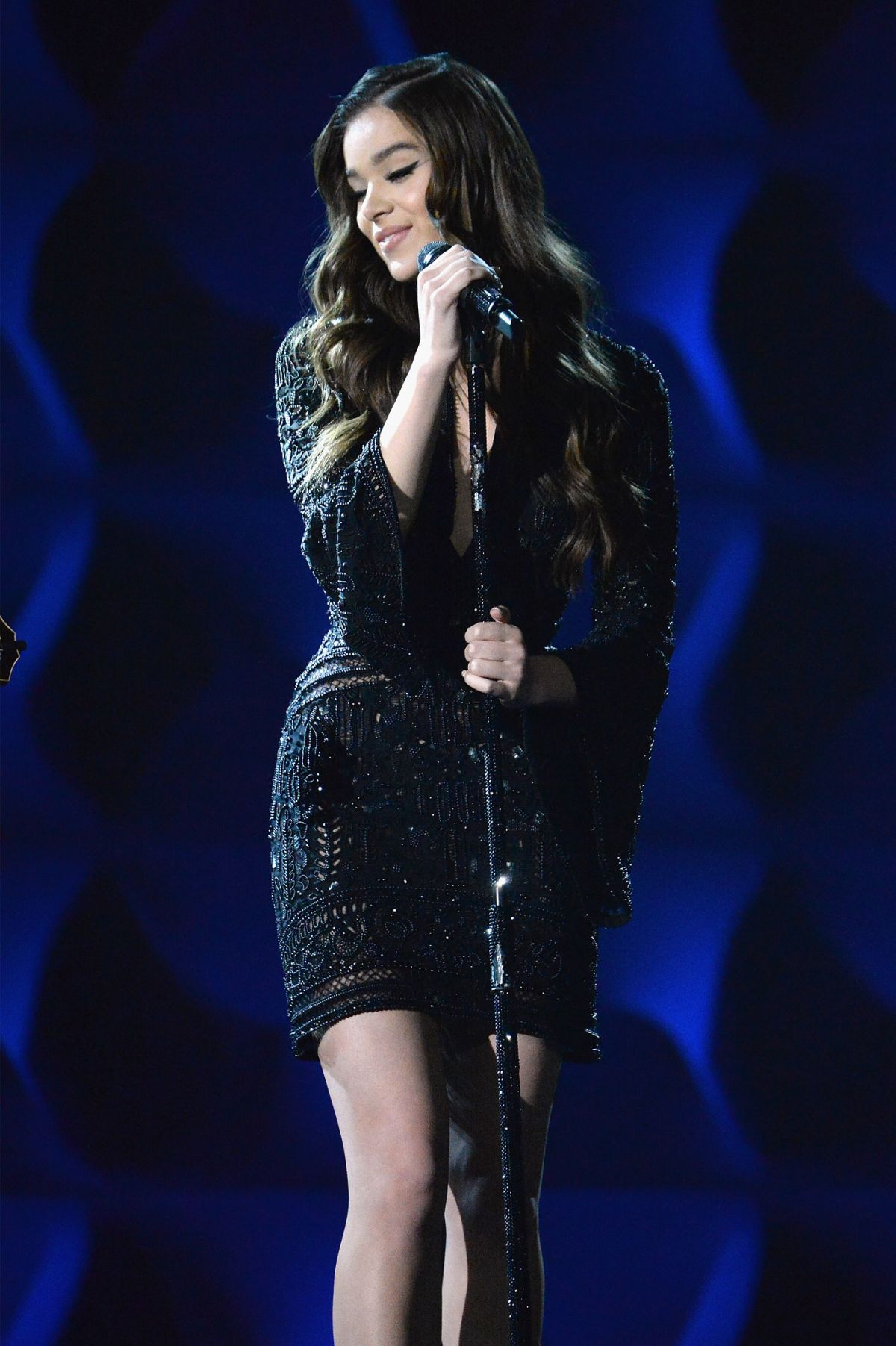 HAILEE STEINFELD Performs at Billboard Women in Music in New York 12/09/2016
