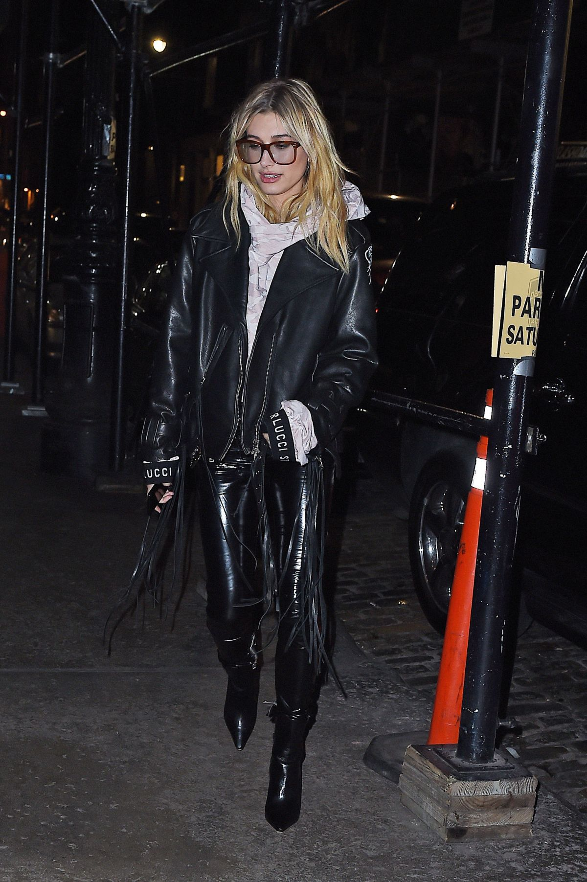 hailey baldwin out for dinner at mercer kitchen in new york 12 09