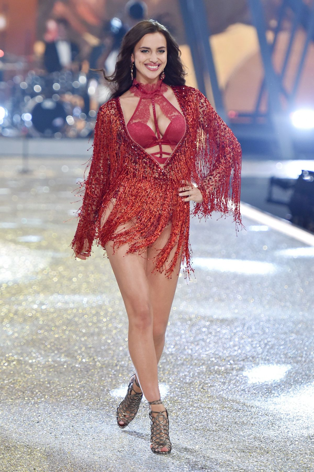 Irina Shayk At Victoria S Secret Fashion Show 2016