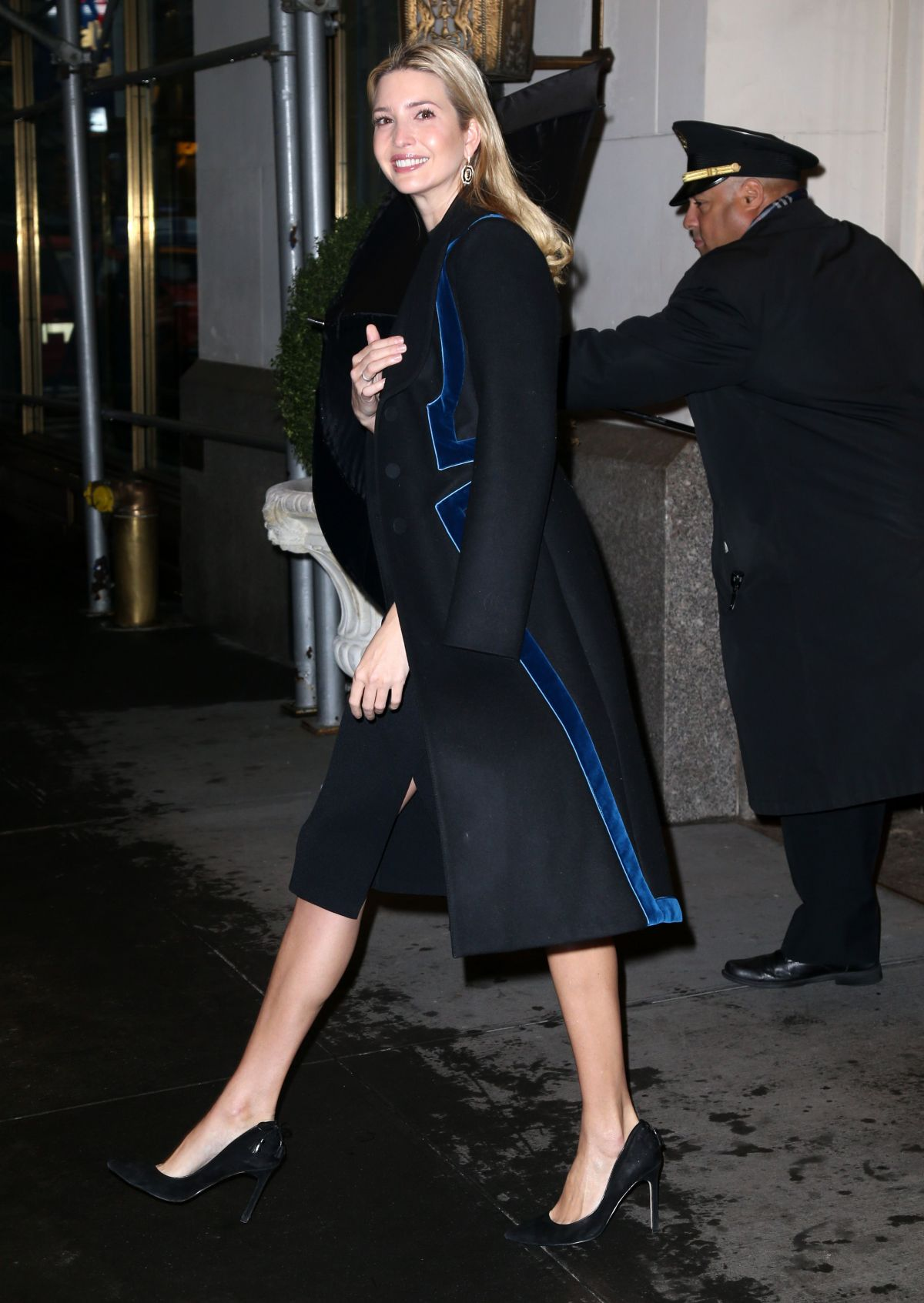 in HawtCelebs Out IVANKA York - New 12/12/2016 TRUMP