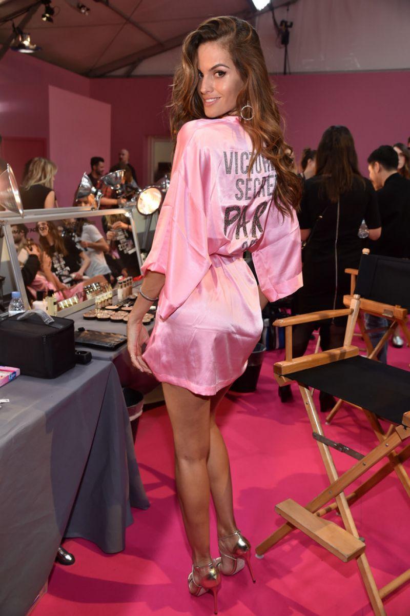 d80c622743 IZABEL GOULART at 2016 Victoria s Secret Fashion Show in Paris 11 30 2016