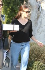 JENNIEFR GARNER Shopping at Line and Moon Juice in West Hollywood 12/05/2016
