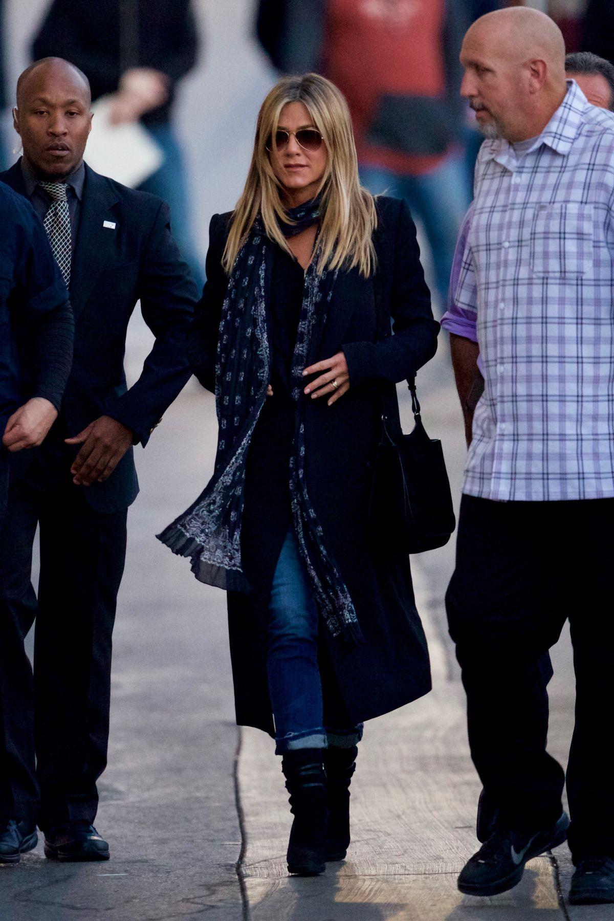 JENNIFER ANISTON Arrives at Jimmy Kimmel Live in Hollywood 12/08/2016   jennifer-aniston-arrives-at-jimmy-kimmel-live-in-hollywood-12-08-2016_3