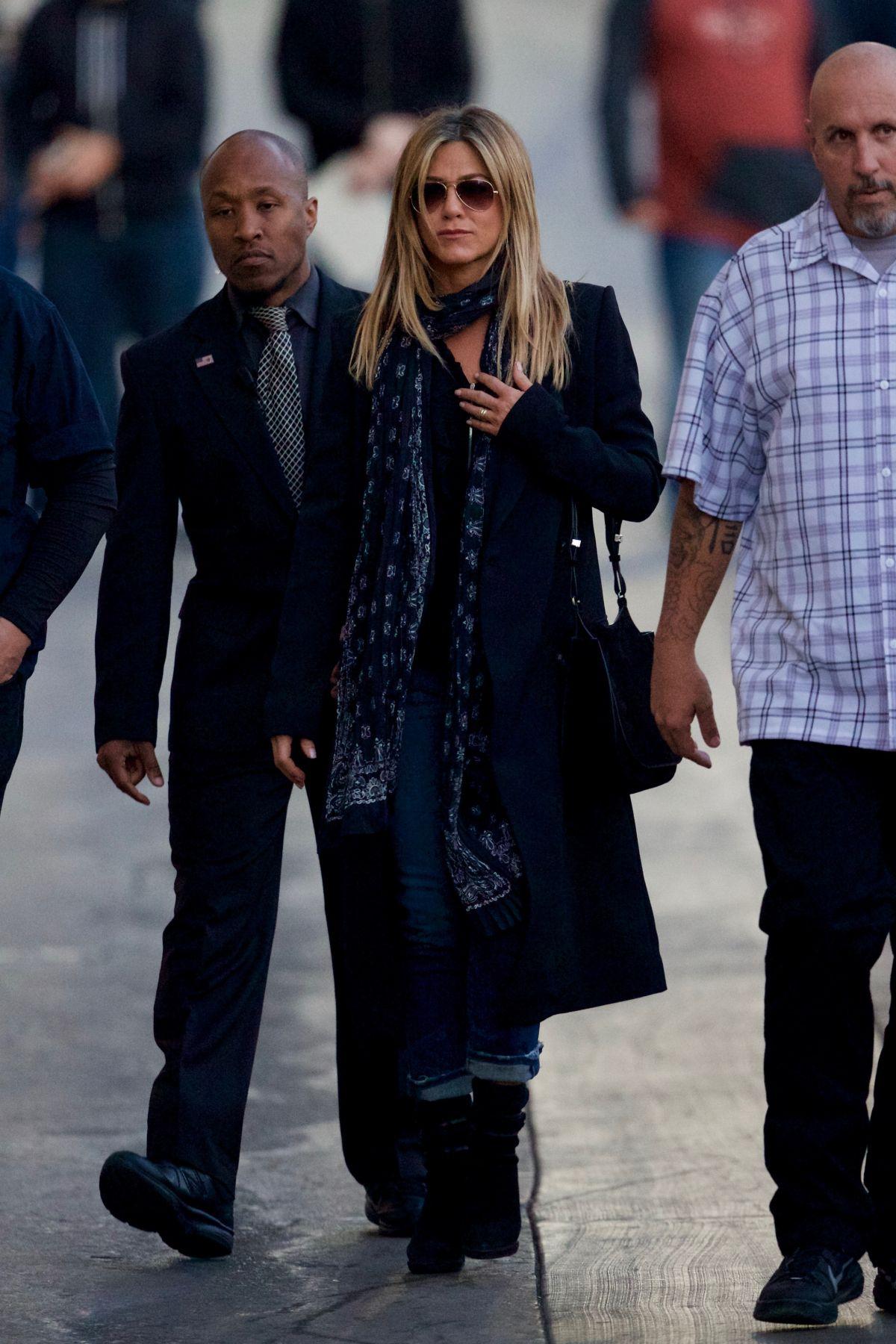 JENNIFER ANISTON Arrives at Jimmy Kimmel Live in Hollywood 12/08/2016   jennifer-aniston-arrives-at-jimmy-kimmel-live-in-hollywood-12-08-2016_5