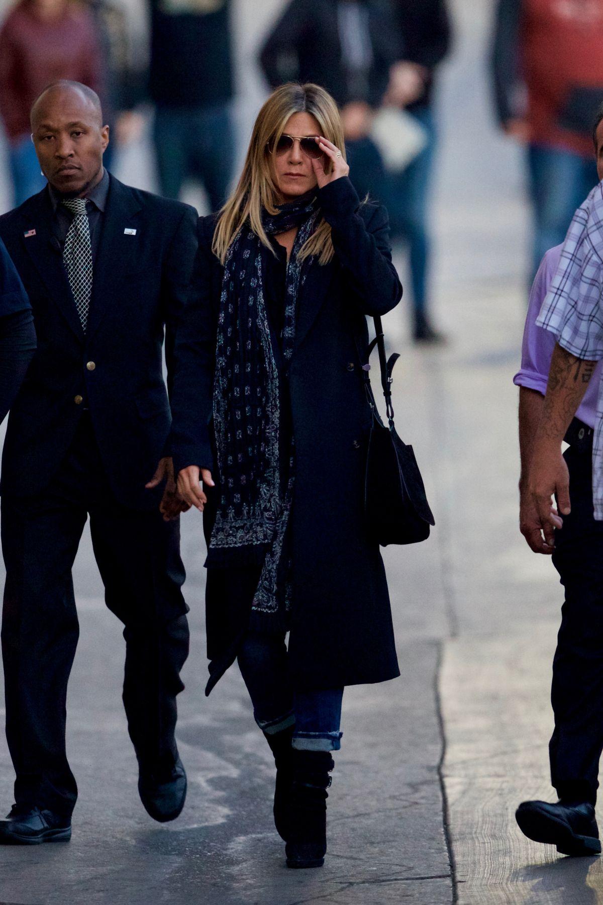 JENNIFER ANISTON Arrives at Jimmy Kimmel Live in Hollywood 12/08/2016   jennifer-aniston-arrives-at-jimmy-kimmel-live-in-hollywood-12-08-2016_6