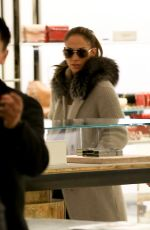 JENNIFER LOPEZ Shopping in Beverly Hills 12/22/2016