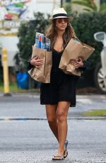 JESSICA ALBA Out Shopping in Hawaii 12/28/2016
