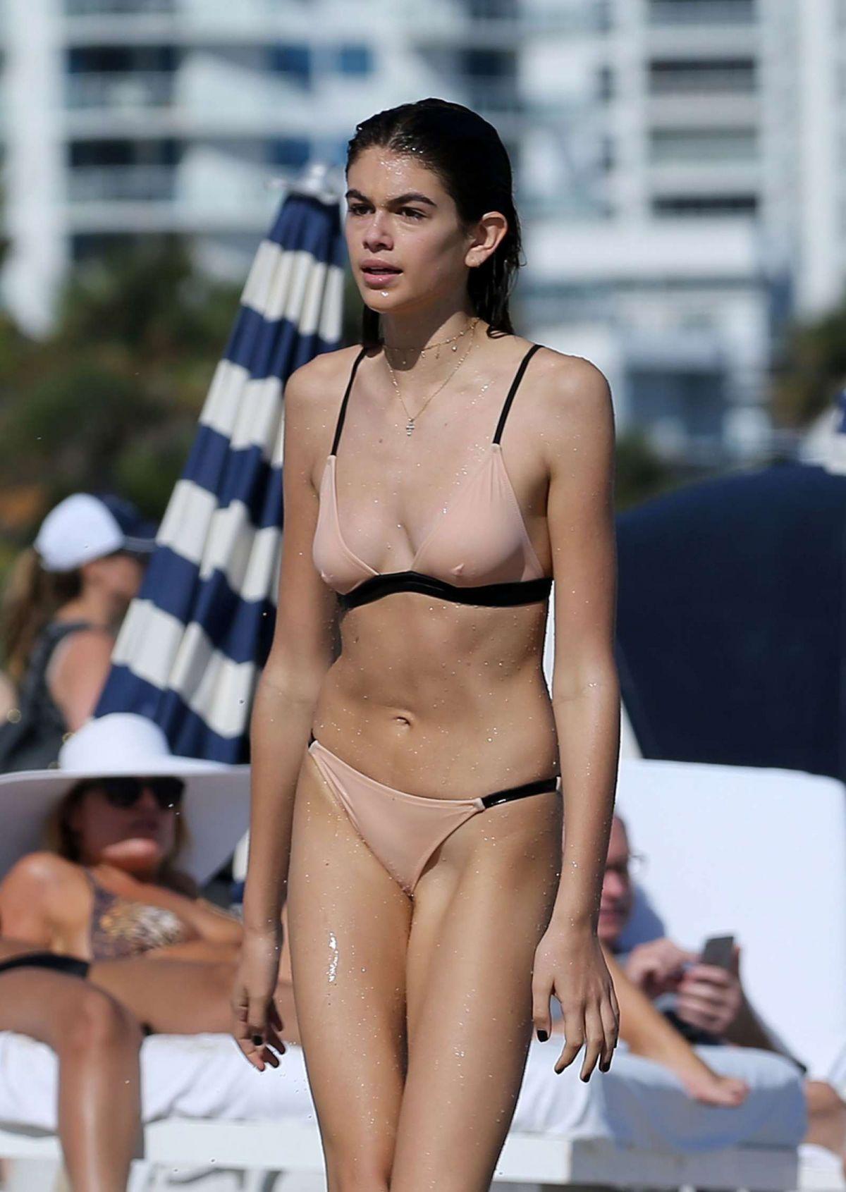 c6f6b8e78643d kaia-gerber-in-bikini-on-the-beach-in-miami-12-27-2016 25 - HawtCelebs