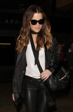 KATE BECKINSALE Arrives at LAX AIrport in Los Angeles 12/10/2016