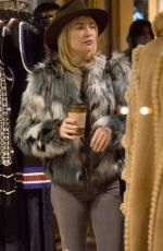 KATE HUDSON Shopping at a Store in Aspen 12/27/2016