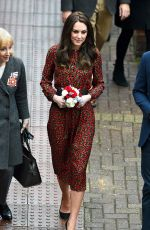 KATE MIDDLETON Out and About in West London 12/19/2016