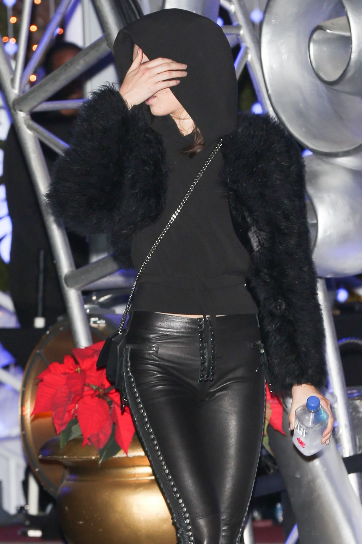 KENDALL JENNER at Kroq\'s Almost Acoustic Christmas Early in ...