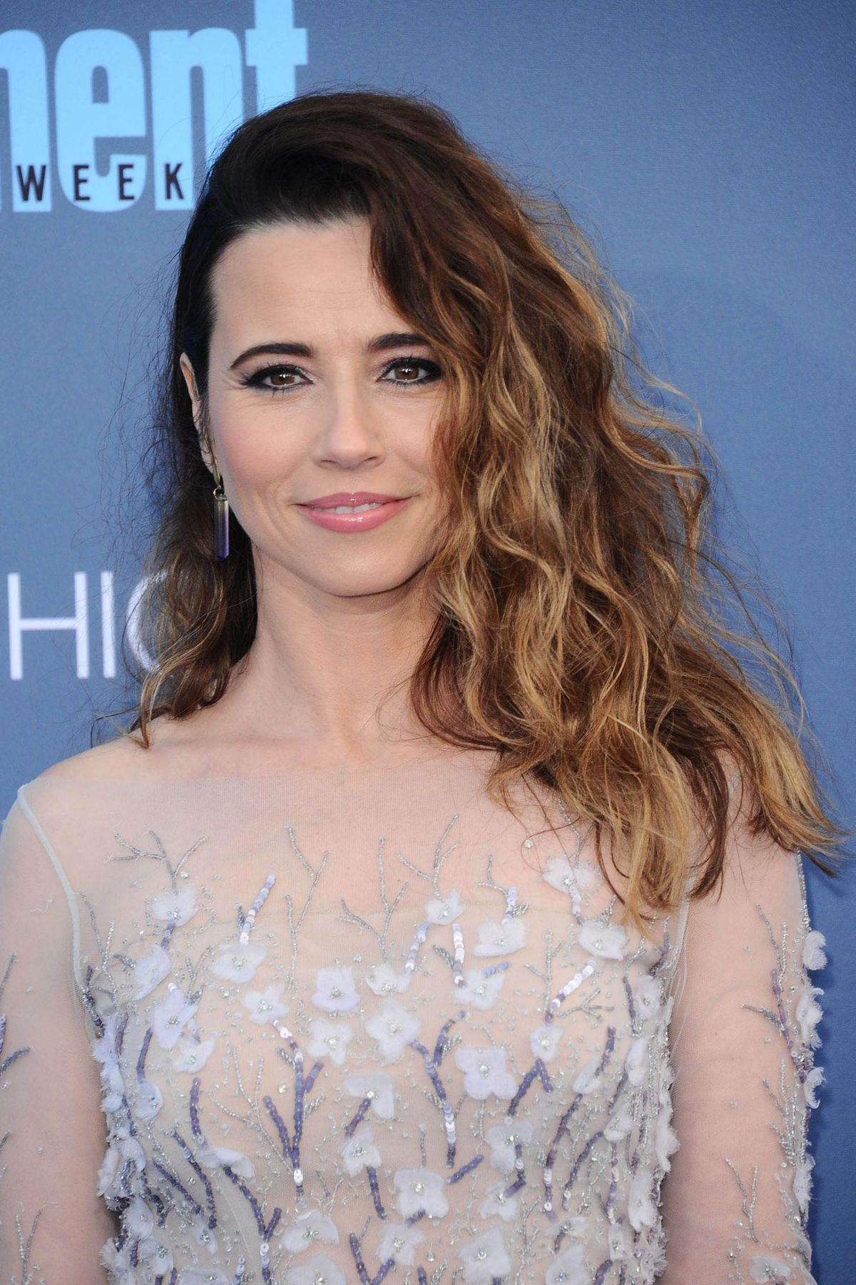 LINDA CARDELLINI at 22nd Annual Critics' Choice Awards in ...