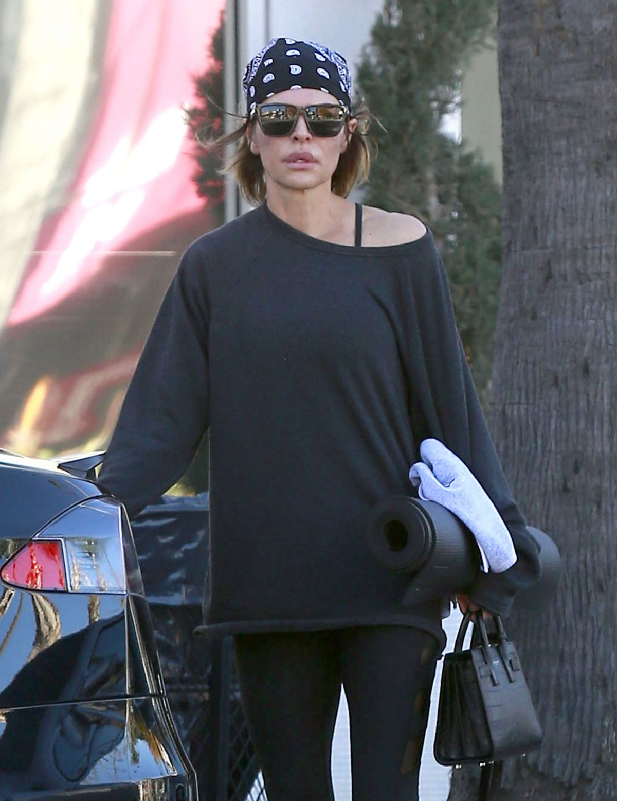 LISA RINNA Leaves a Pilates Class in Studio City 12/19/2016