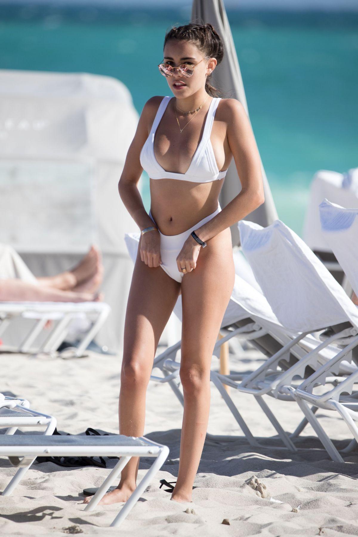Missi pyle bikini