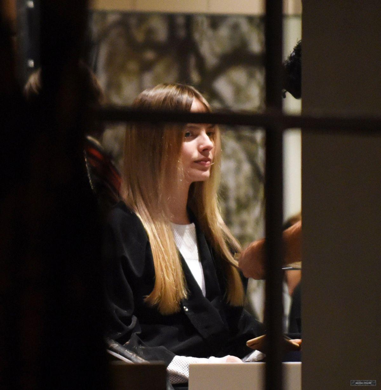 Hair Salon Los Angeles: MARGOT ROBBIE At A Hair Salon In Los Angeles 12/02/2016