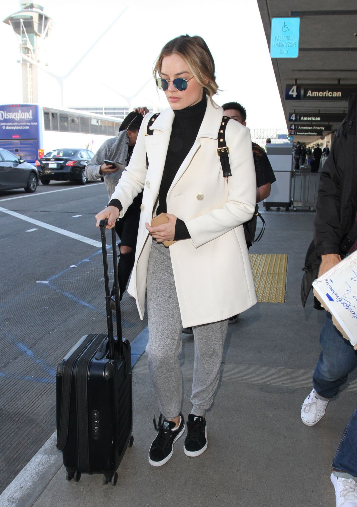 Watch Margot robbie loads up her luggage los angeles video