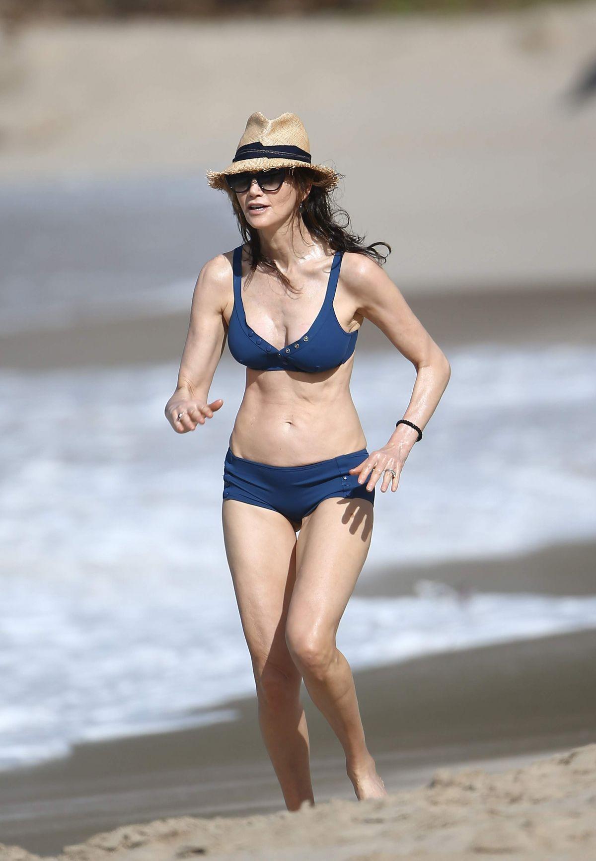Bikini Nancy Gomez nude (16 photo), Ass, Sideboobs, Feet, braless 2006
