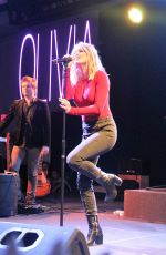 OLIVIA HOLT Performs in Freehold 11/18/2016