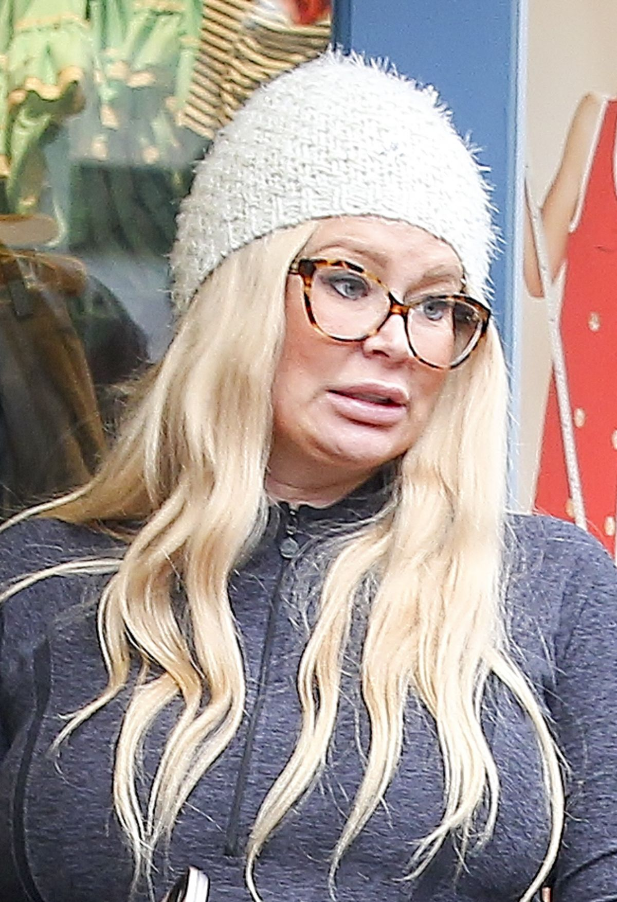 Pregnant JENNA JAMESON Out Shoping in Los Angeles 12/21
