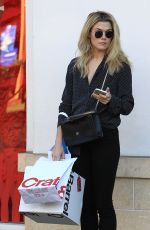 RACHAEL TAYLOR Shopping at Crate & Barrel at The Grove in Los Angeles 12/20/2016