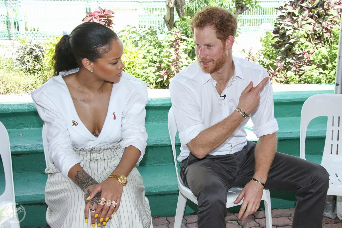 RIHANNA and Prince Harry Take HIV Tests Together to Mark World Aids Day in Barbados 12/01/2016