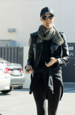 ROSIE HUNTINGTON-WHITELEY Leaves a Gym in West Hollywood 12/01/2016