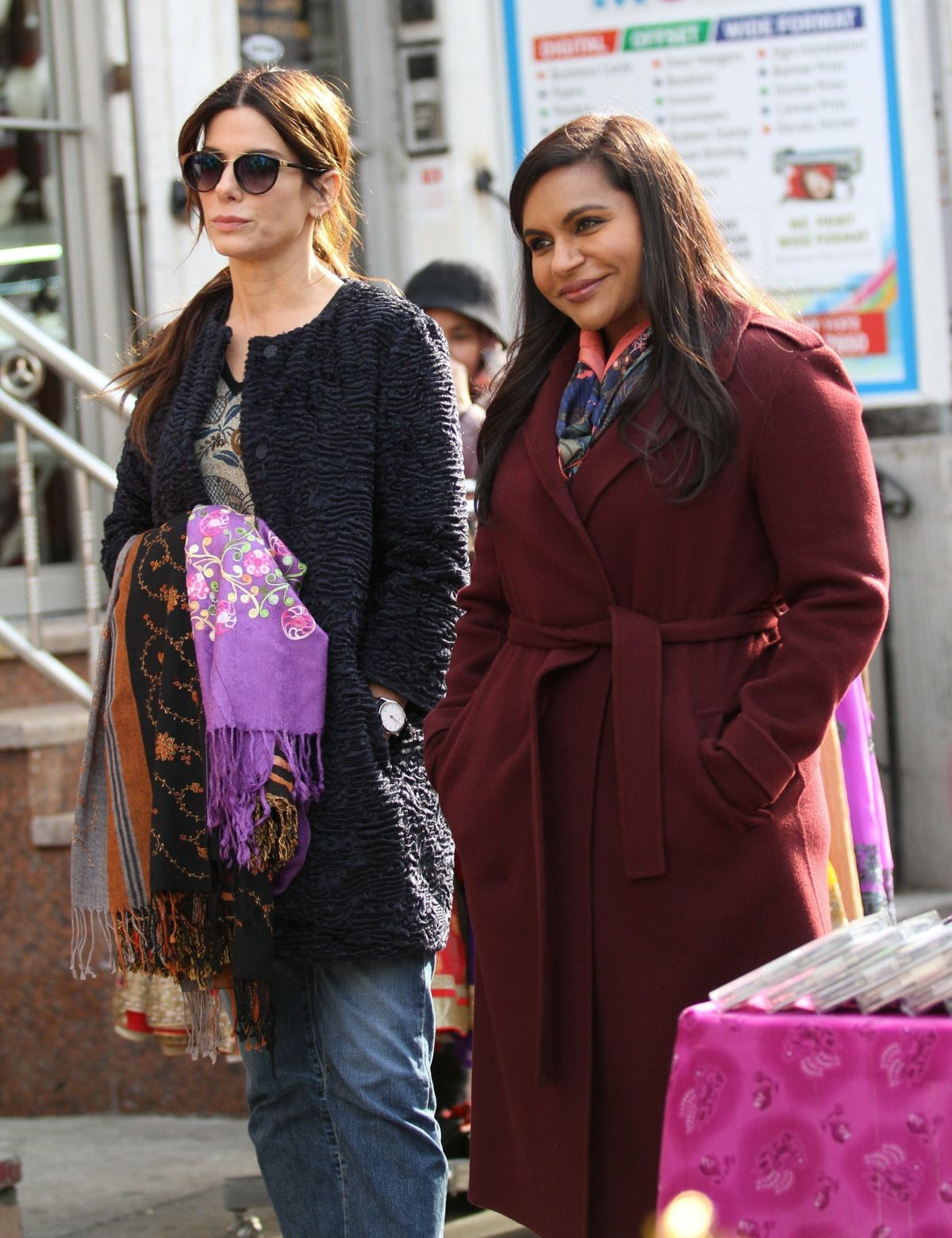 Sandra Bullock And Mindy Kaling On The Set Of Oceans 8 In New York 12 13 2016 Hawtcelebs