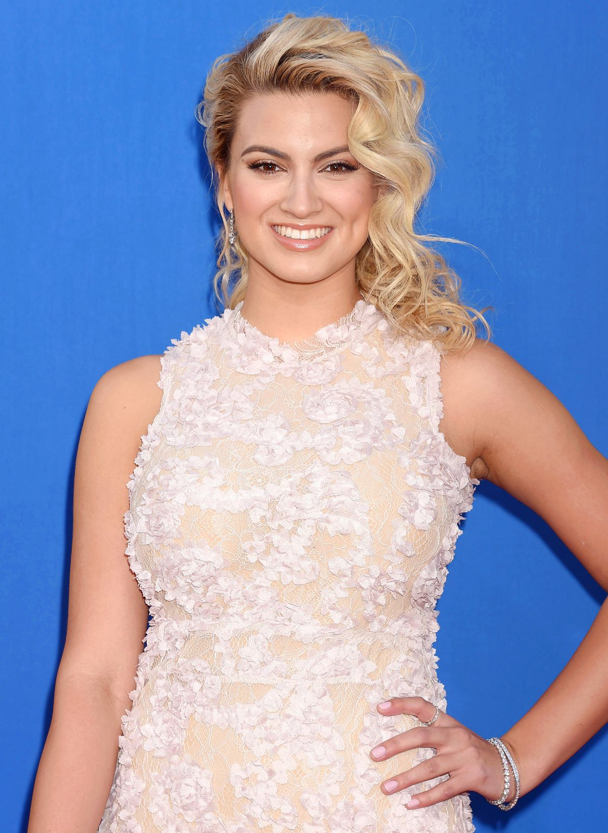 TORI KELLY at