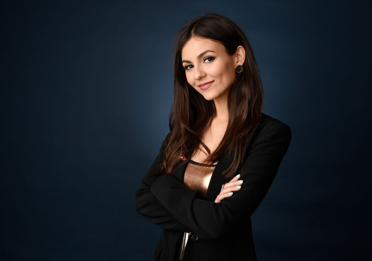 Victoria justice the rocky horror picture show 9