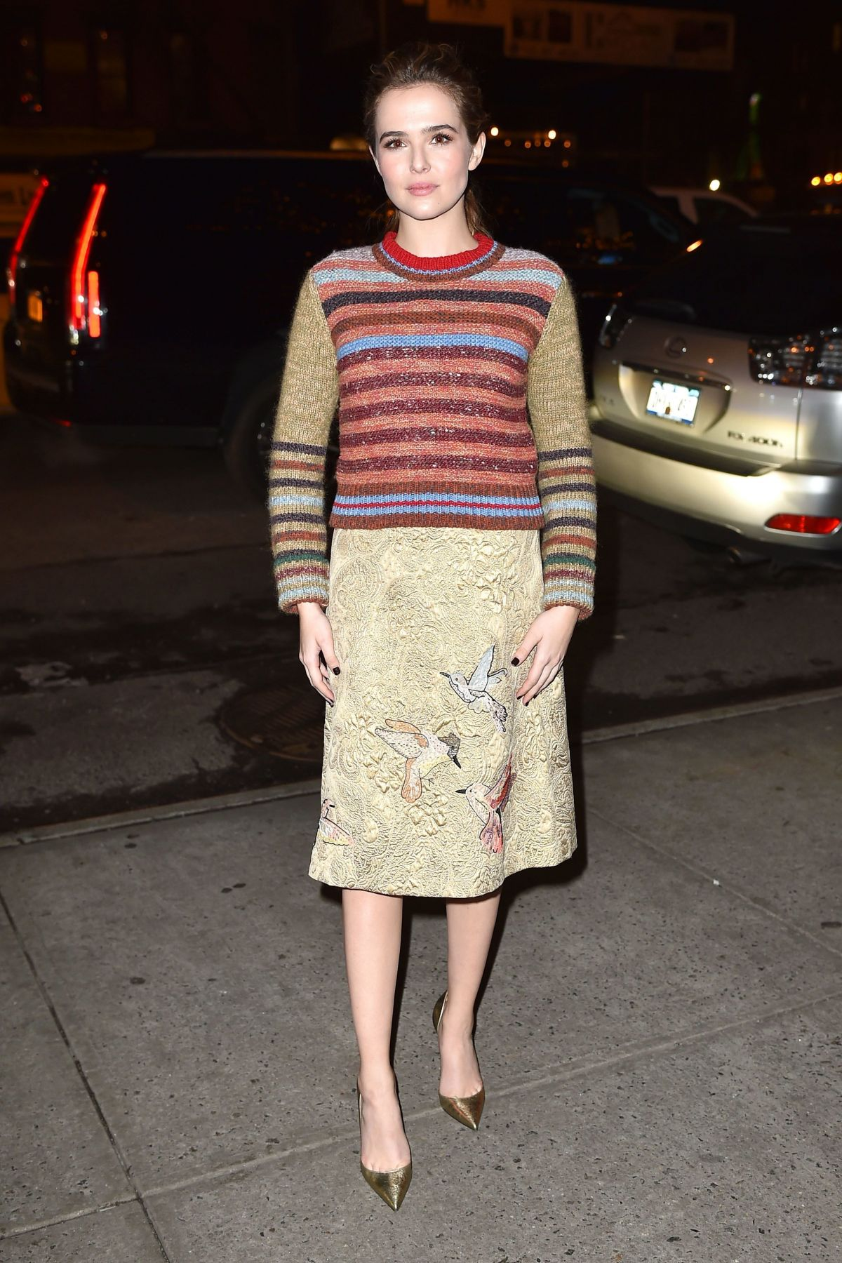 ZOEY DEUTCH Arrives at Her Hotel in New York 12/12/2016