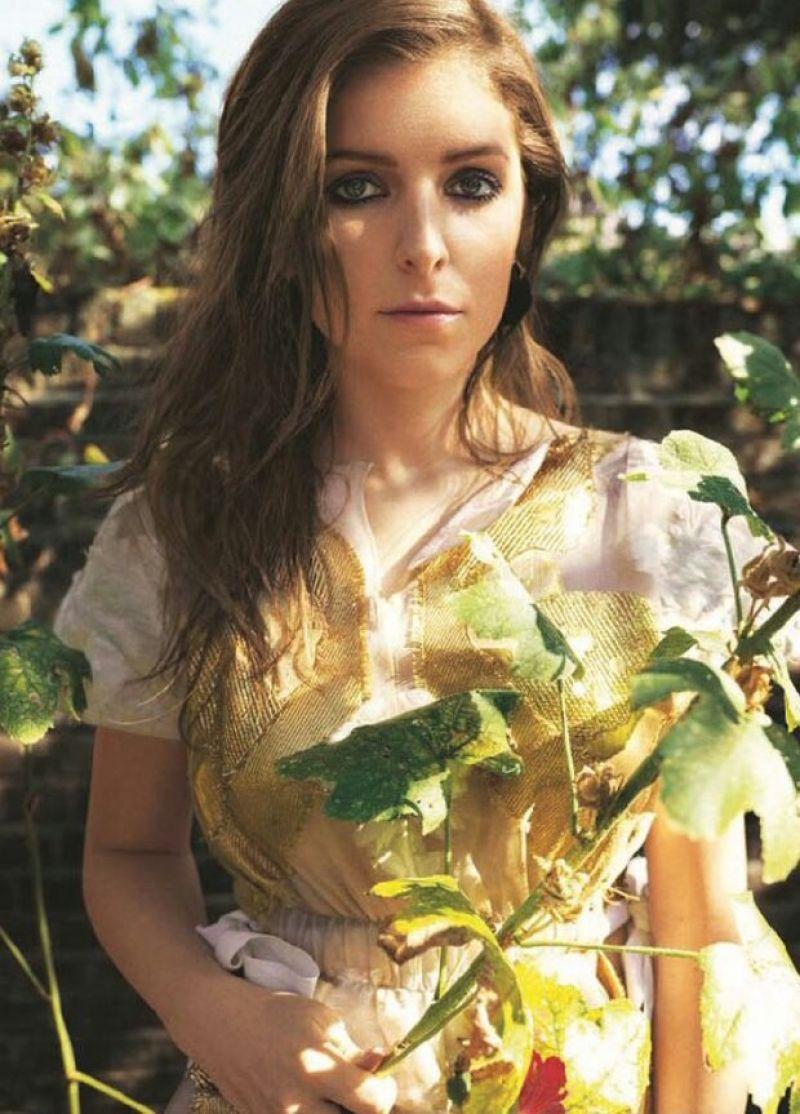 ANNA KENDRICK In Glamour Magazine UK February 2017 Issue