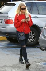 ASHLEE SIMPSON Out and About in Sherman Oaks 01/10/2017