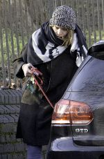 BILLIE PIPER Walks Her Dog Out in London 01/05/2017