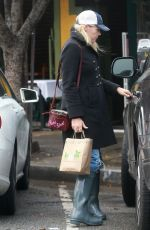 BUSY PHILIPPS Out and About in Los Angeles 01/20/2017