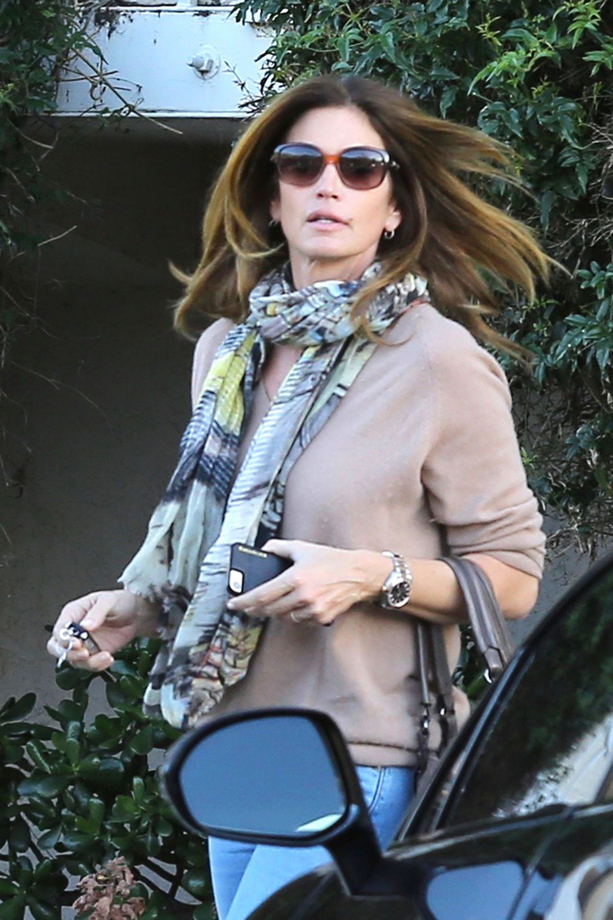 CINDY CRAWFORD Out and About in Malibu 01/16/2017