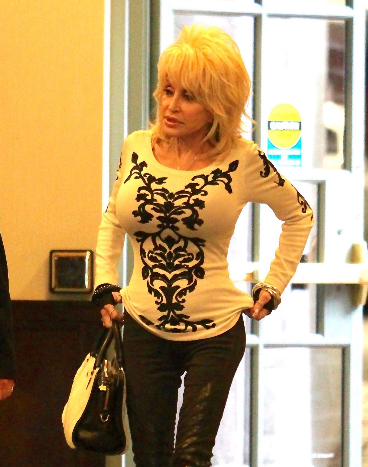 Dolly parton out and about in beverly hills 01 03 2017 for What does dolly parton s husband do for a living