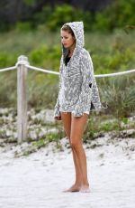 DOUTZEN KROES Playing Soccer on the Beach in Miami 01/02/2017