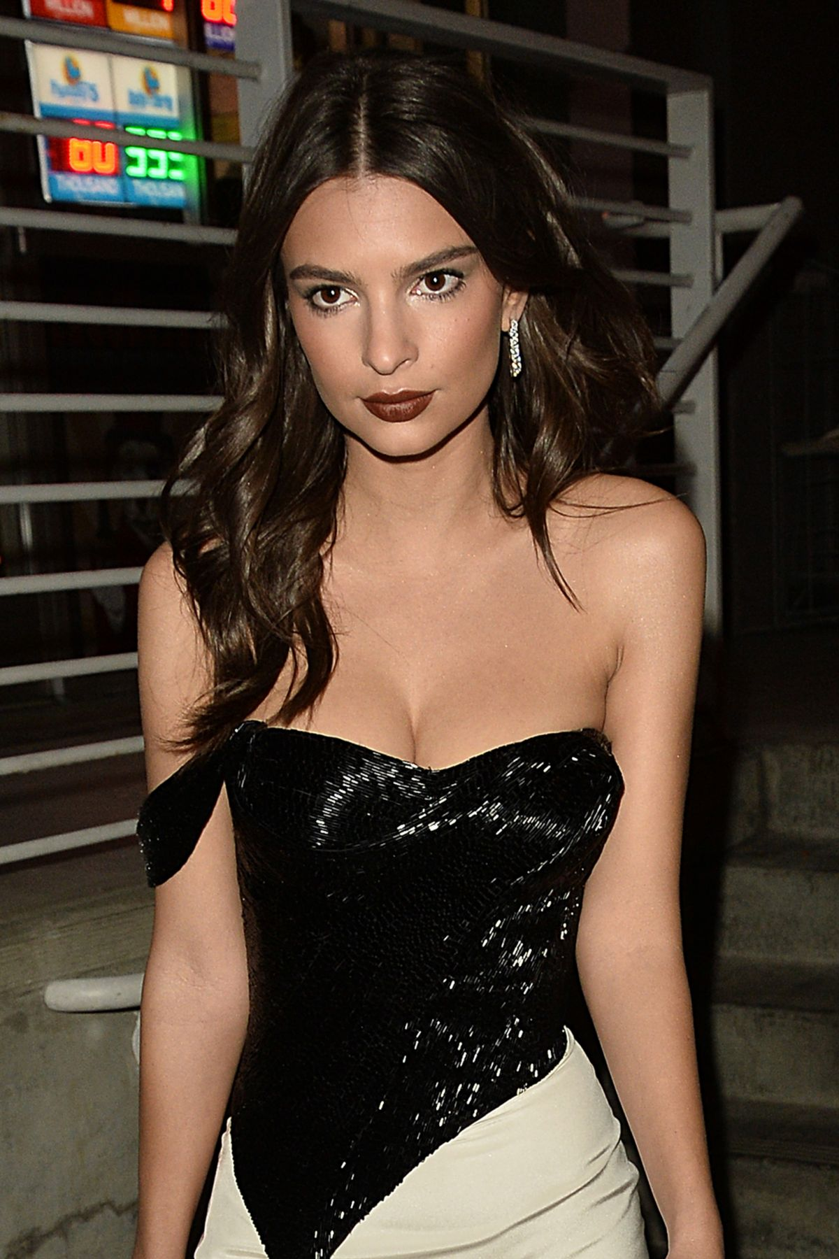 EMILY RATAJKOWSKI Night Out in West Hollywood 01/27/2017