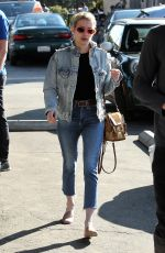 EMMA ROBERTS and Evan Peters Out for Lunch in Los Feliz 01/26/2017