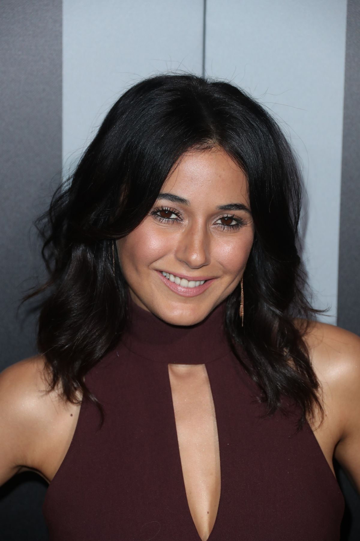 Emmanuelle chriqui in the first s2e09 3