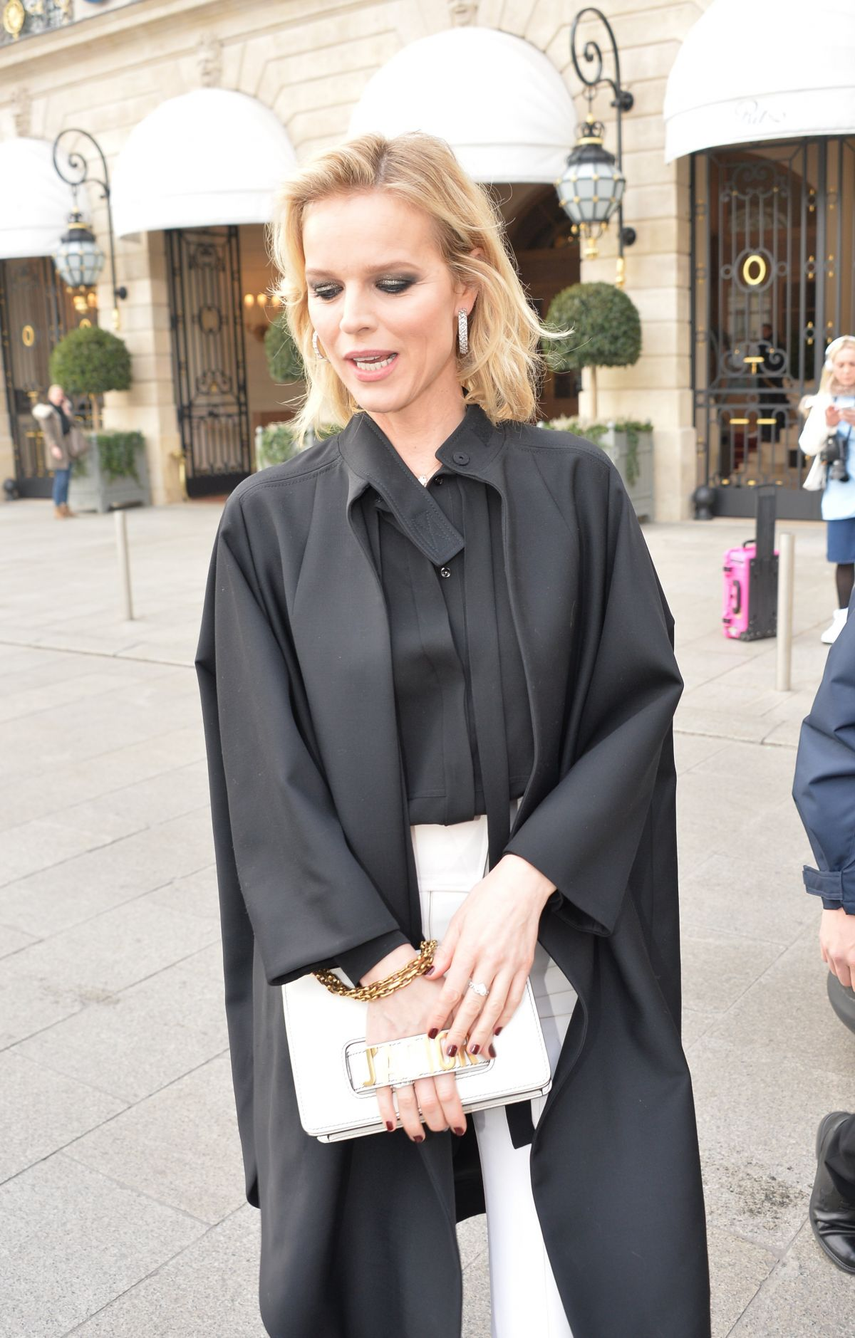 EVA HERZIGOVA Leaves Her Hotel in Paris 01/23/2017