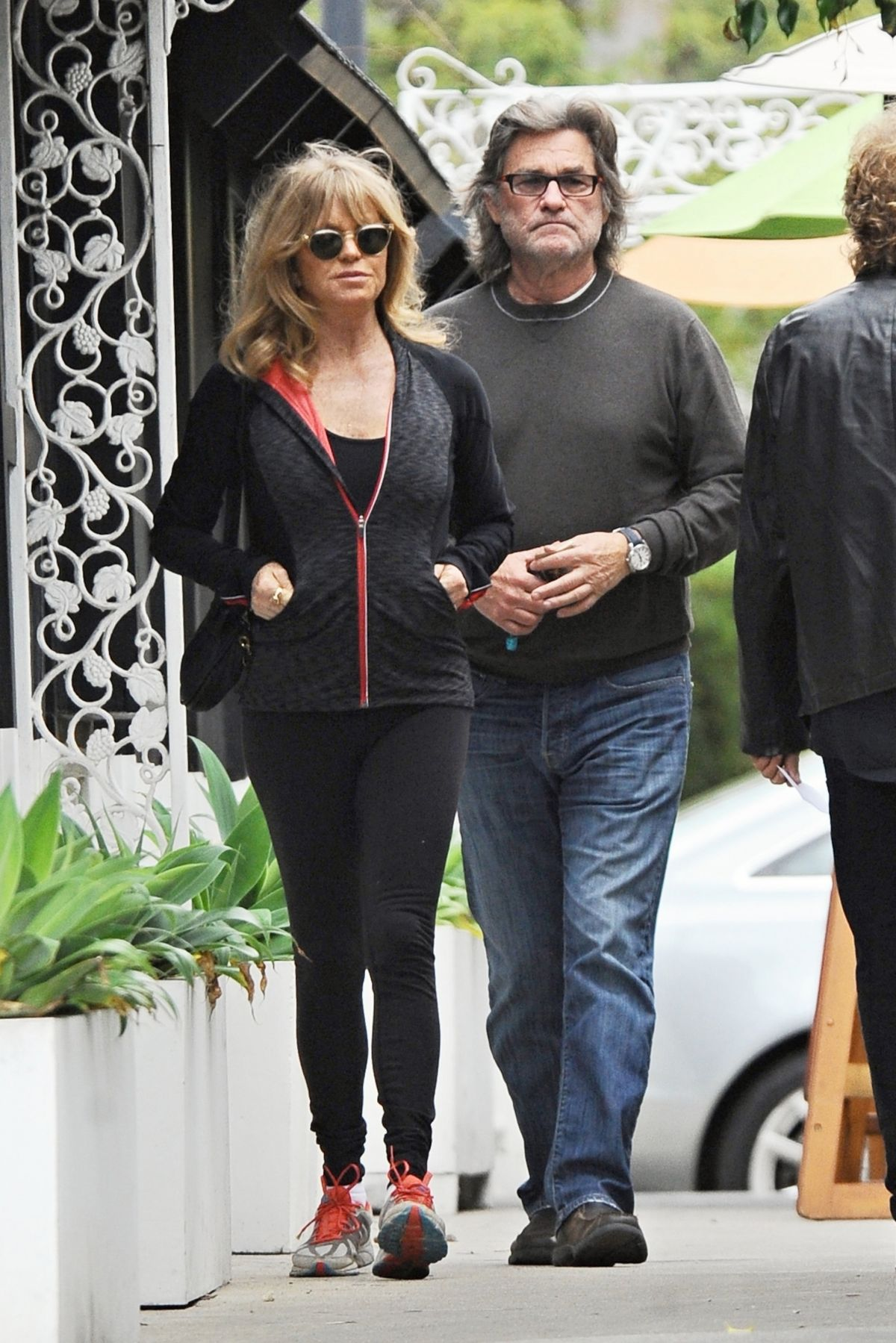 GOLDIE HAWN and Kurt Russell Out in Beverly Hills 01/15 ...