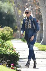GWEN STEFANI Heading to a Church in Los Angeles 01/08/2017