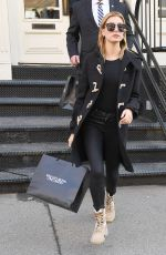 HAILEY BALDWIN Shopping at What Goes Around Comes Around in New York 01/16/2017