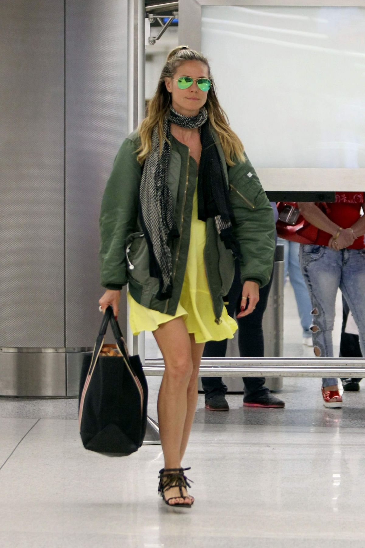 HEIDI KLUM at LAX Airport in Los Angeles 01/06/2016