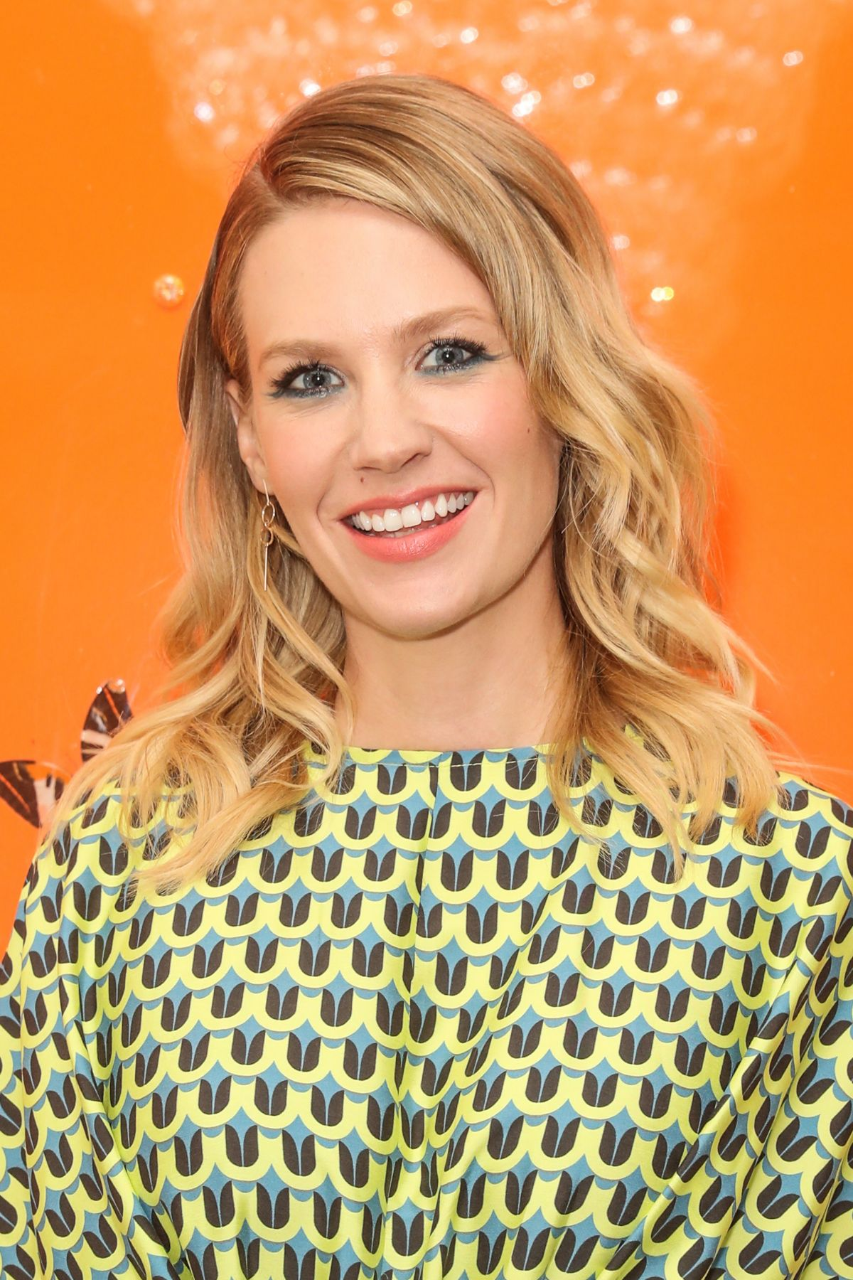 JANUARY JONES at Tome Dinner Celebrating White Shirt Project and Freedom for All Foundation in Los Angeles 01/12/2017
