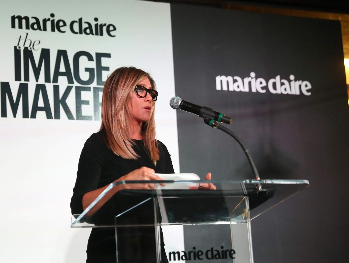 JENNIFER ANISTON at Marie Claire's Image Maker Awards 2017 in West Hollywood 01/10/2017   jennifer-aniston-at-marie-claire-s-image-maker-awards-2017-in-west-hollywood-01-10-2017_3